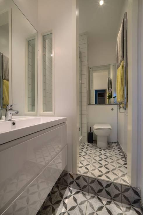 minimalistic Bathroom by ADG Bespoke