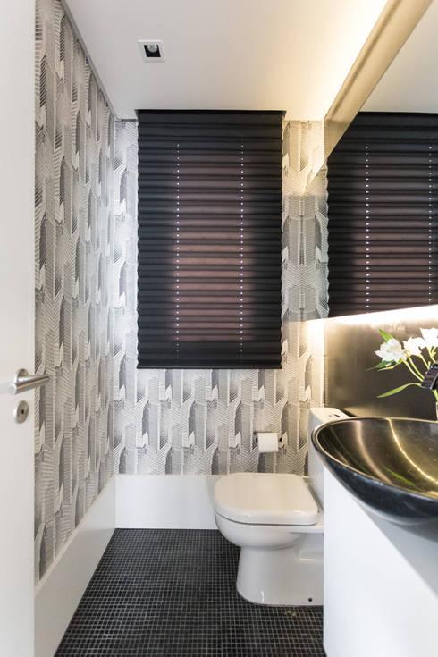 LAVABOS: Banheiros modernos por Pura!Arquitetura