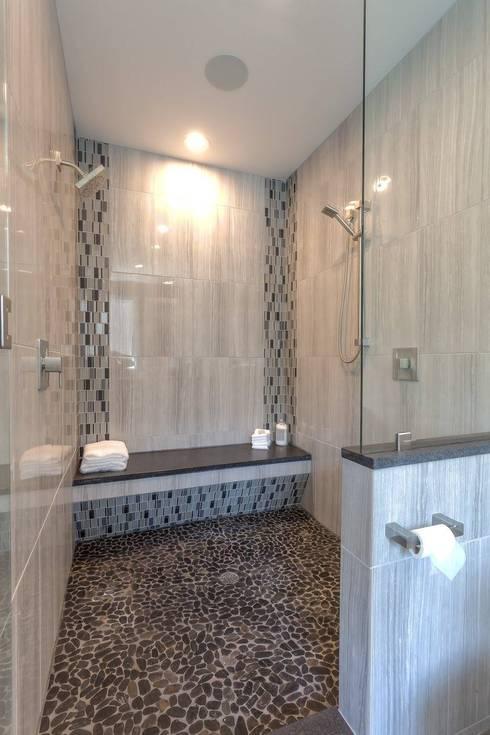 浴室一景, 淋浴及蒸氣桑拿:  浴室 by monaco design