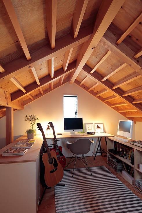 FUN! HOUSE!: こぢこぢ一級建築士事務所が手掛けた書斎です。