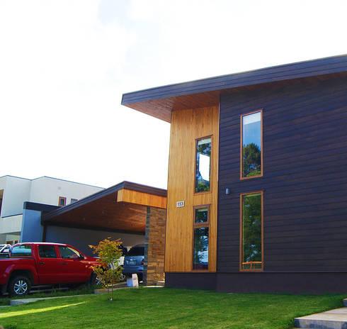 Fachada: Casas de estilo moderno por Smartlive Studio