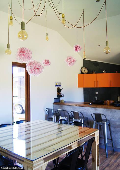 Comedor quincho: Cocinas de estilo  por Smartlive Studio