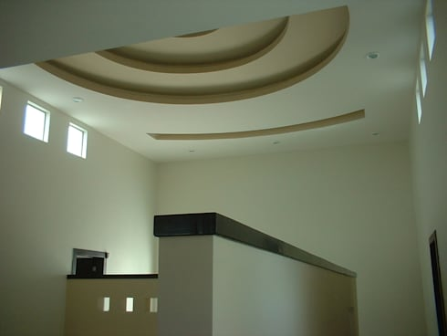 Casa Beige : Salas de estilo moderno por SG Huerta Arquitecto Cancun