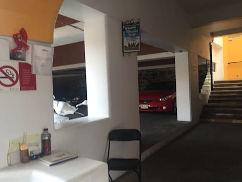 Muro cortina: Oficinas y tiendas de estilo  por Cahtal Arquitectos