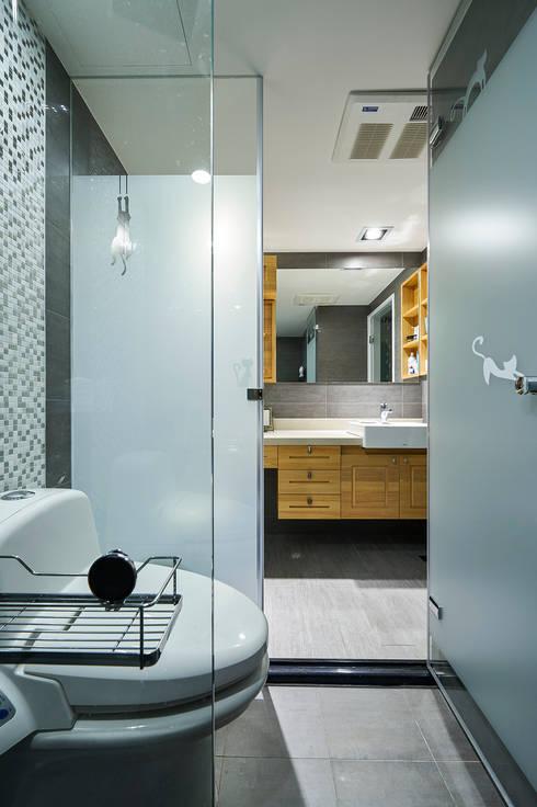 愛貓元素也能成為設計亮點:  浴室 by 青瓷設計工程有限公司