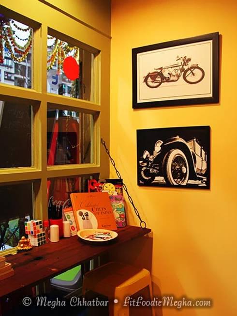 Just Bingg'e : eclectic Dressing room by Shweta Deshmukh & Associates