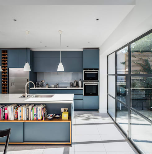 Slot House, London W12:  Kitchen by AU Architects