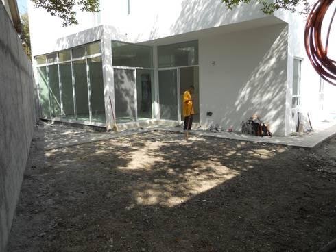 Casa Roma:  de estilo  por nuk arquitech