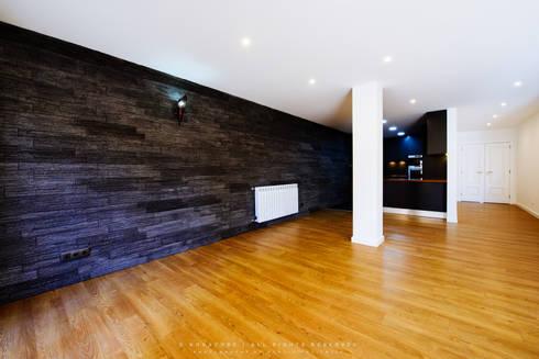 Remodelação de Apartamento em Samora Correia: Salas de jantar modernas por NOVACOBE - Construção e Reabilitação, Lda.