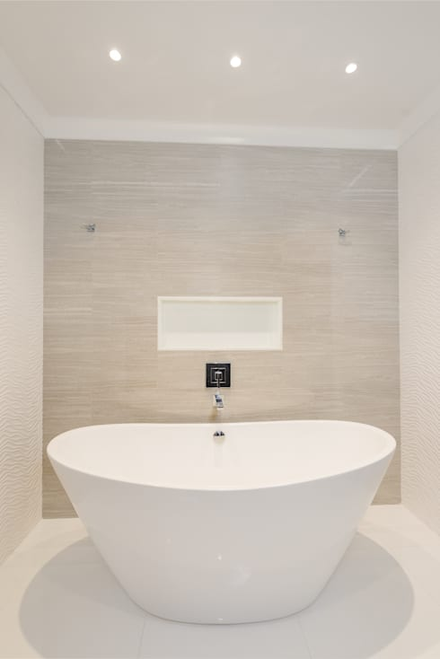 Master Bathroom with Free standing vessel tub: modern Bathroom by HOMEREDI