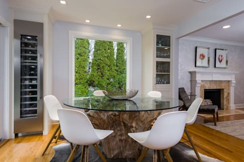 Dining Room with Teak table base: modern Dining room by HOMEREDI