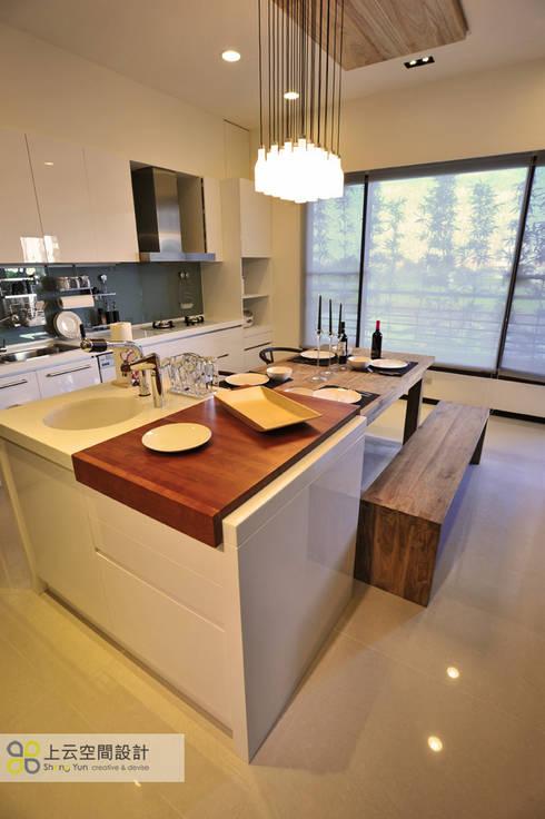 Ruang Makan by 上云空間設計