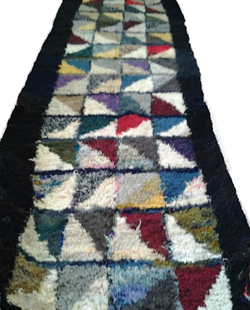 MOROCCAN COLORED BOUCHEROUITE RUG:  Corridor, hallway & stairs  by Africancreates