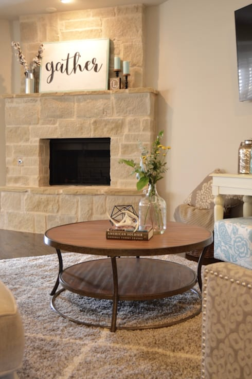 Sophisticated Country Home:  Living room by Brett Nicole Interiors