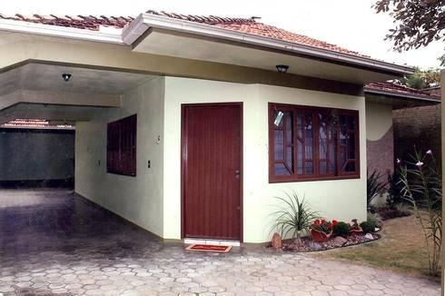 RESIDENCIA ORIGINAL: Casas familiares  por Janete Krueger Arquitetura e Design
