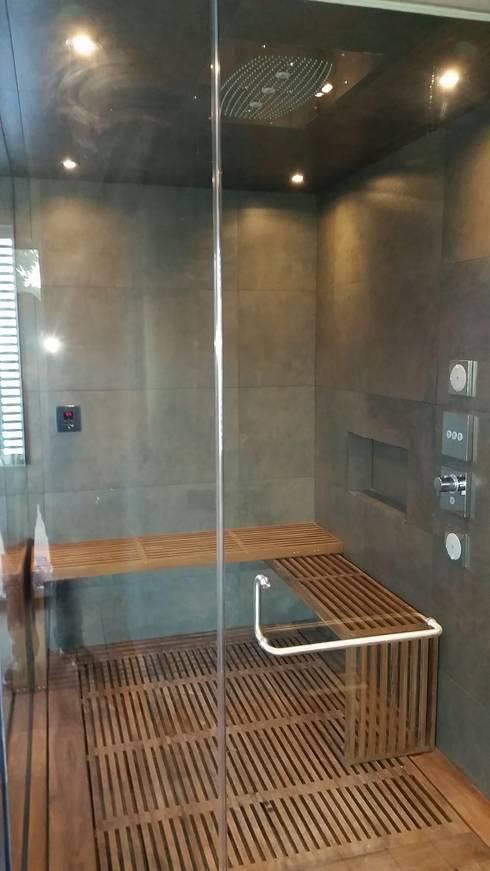 Baños de estilo moderno por ebanisART Espacio y Concepto