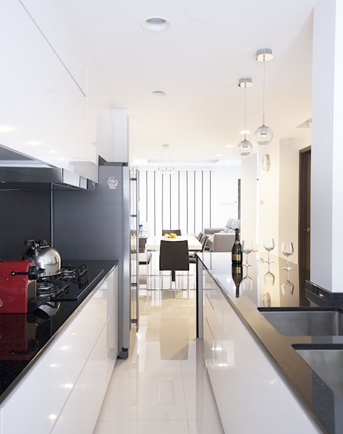 soo chow graden: modern Kitchen by Renozone Interior design house