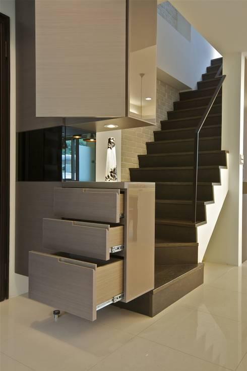 Corridor & hallway by 觀林設計