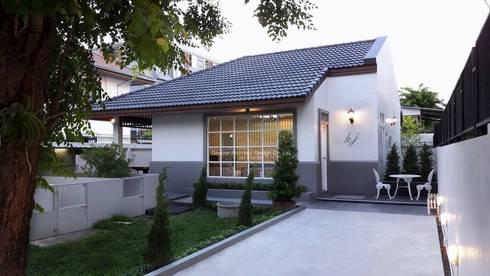 Baan Kwanjai (Renovate house):   by บริษัท ดิปเปอร์ อาร์คิเทค ดีไซน์ จำกัด