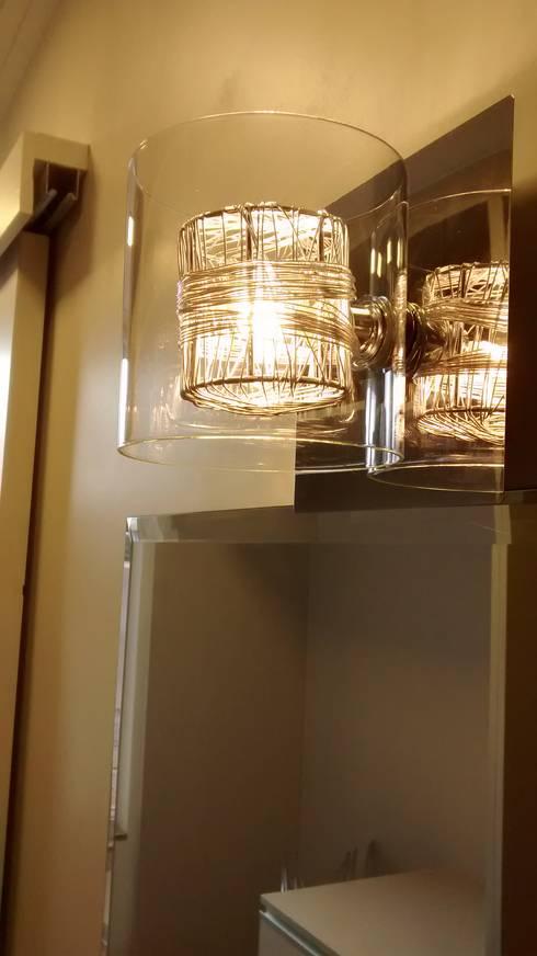 minimalistic Dressing room by Mariana Von Kruger Emme Interiores