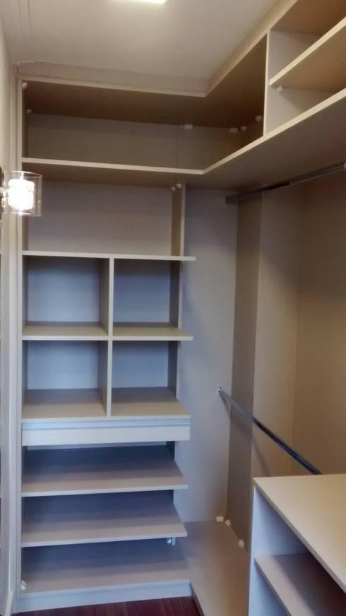 minimalistic Bedroom by Mariana Von Kruger Emme Interiores