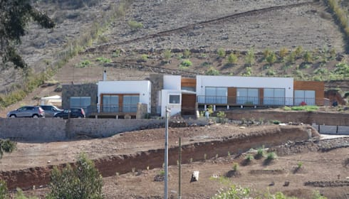 Vivienda L52 Fundo Loreto, La Serena.: Casas de estilo mediterraneo por Territorio Arquitectura y Construccion