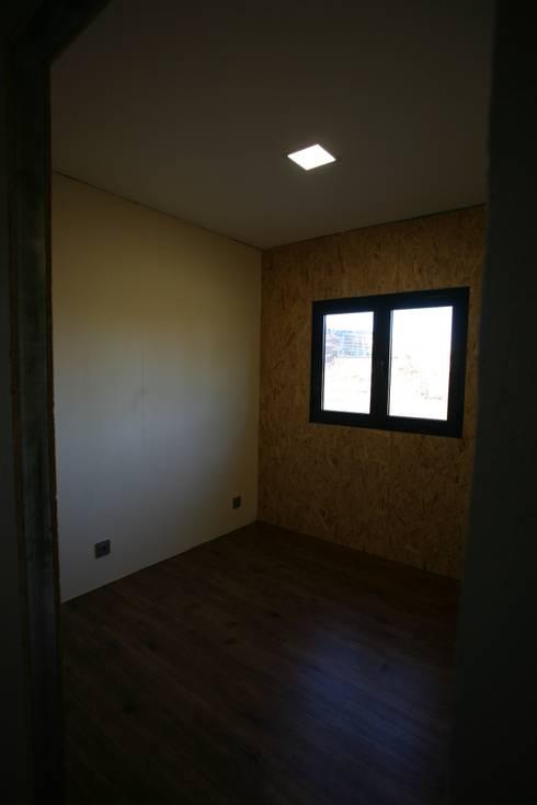臥室 by Cosquel, Sociedade de Construções Lda
