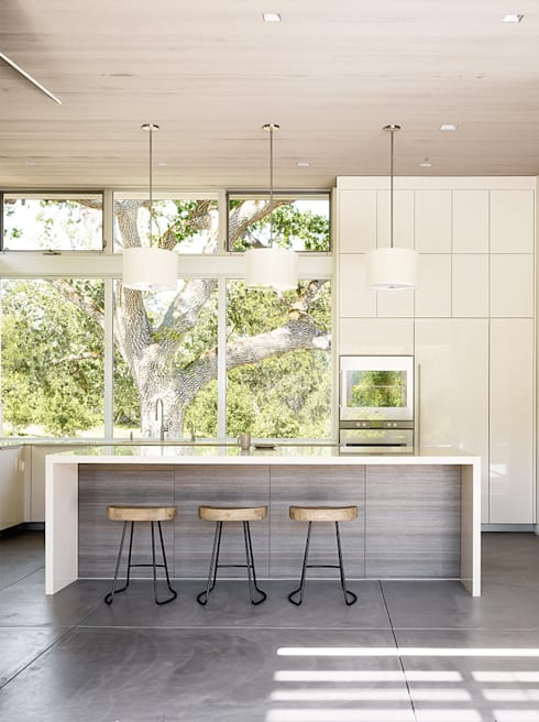 Ranch O|H: modern Kitchen by Feldman Architecture
