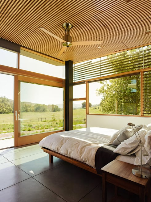 Spring Ranch:  Bedroom by Feldman Architecture