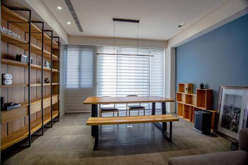 台南 謝宅:  書房/辦公室 by 直譯空間設計有限公司