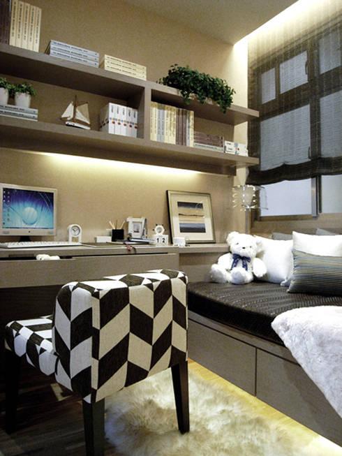 台北大安美術館樣品屋:  臥室 by 直譯空間設計有限公司