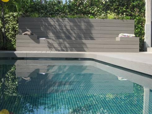 minimalistic Pool by La Patioteca