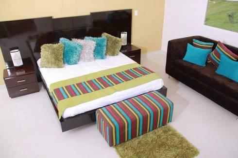 ALCOBA PRINCIPAL: Dormitorios de estilo  por KAYROS ARQUITECTURA DISEÑO INTERIOR