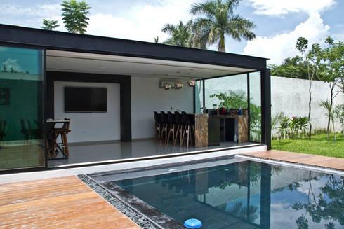 CASA DEL ARBOL: Salas multimedia de estilo moderno por Vau Studio