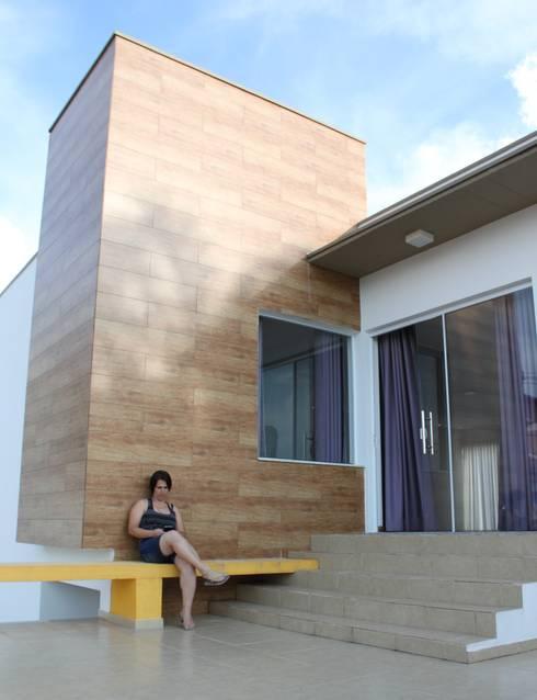 Casas de estilo moderno por Gabriela Brandão . Arquitetura
