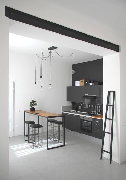 廚房 by CHIARA MARCHIONNI ARCHITECT
