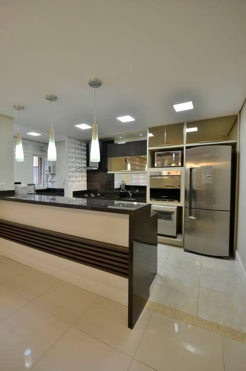 COZINHA: Cozinhas  por Graça Brenner Arquitetura e Interiores