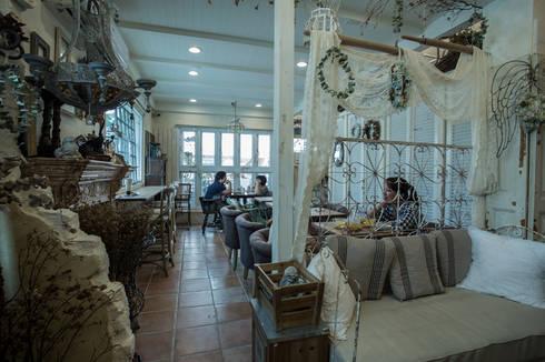 台南 小葉子鄉村部屋:  辦公室&店面 by 直譯空間設計有限公司