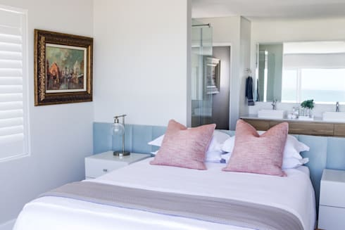Main bedroom: modern Bedroom by Salomé Knijnenburg Interiors
