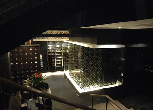 天津 WASABE鐵板燒餐廳:  辦公室&店面 by 直譯空間設計有限公司