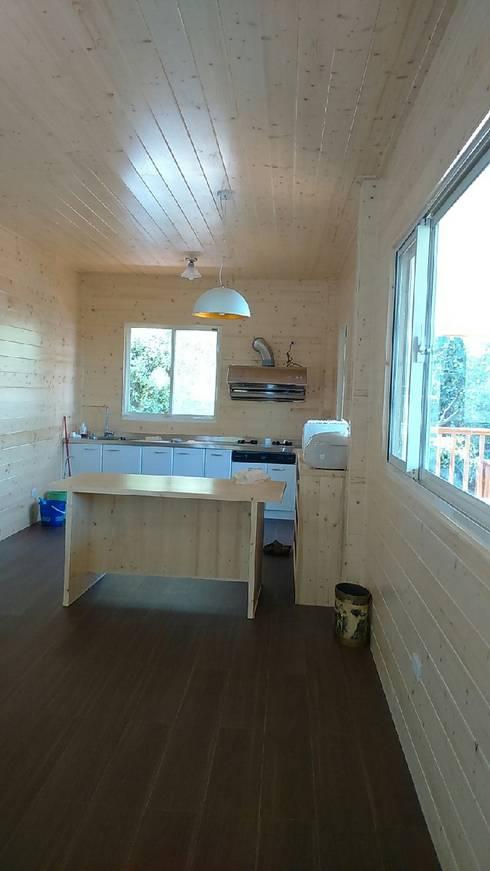 自地自建-休閒鄉村農舍:   by 鄉村東和鋼構木屋