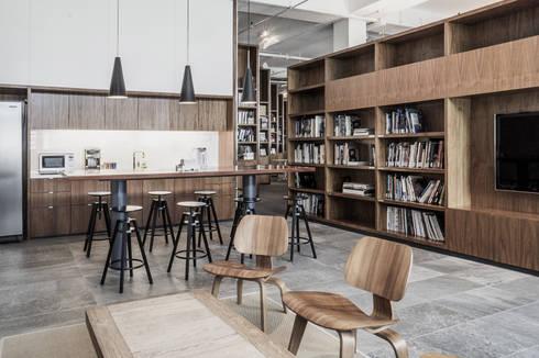 Pantry: modern Kitchen by HB Design Pte Ltd