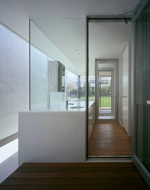 那珂川の家: 森裕建築設計事務所 / Mori Architect Officeが手掛けた浴室です。