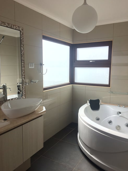 baño principal: Baños de estilo  por Vinci studio
