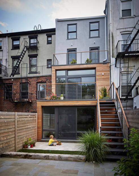 Cobble Hill Townhouse:  Houses by Sarah Jefferys Design