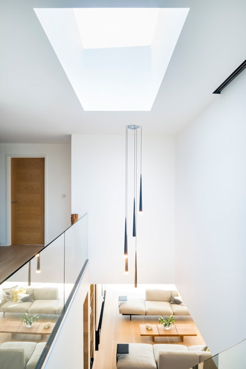 White Oaks Staircase:  Corridor & hallway by Barc Architects