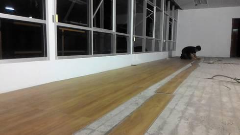 ปูพื้นลามิเนต ห้องประชุมและห้องทำงาน:   by Elohim Decoration and Chemical