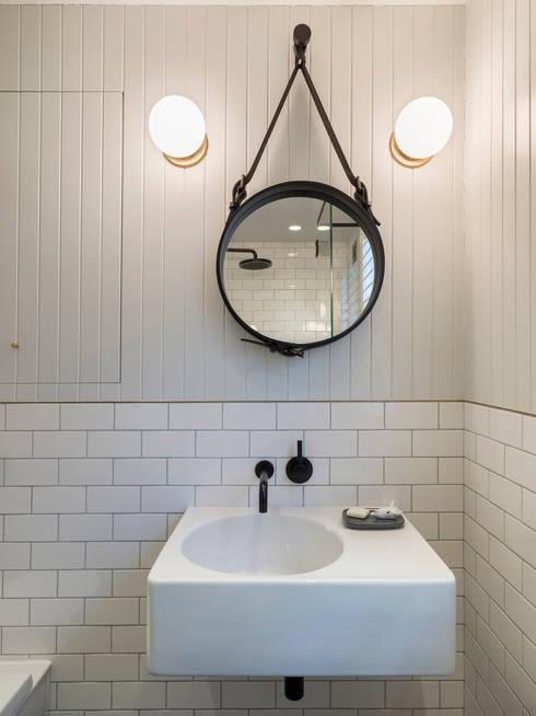حمام تنفيذ Gundry & Ducker Architecture