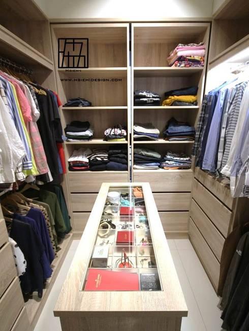 industrial Dressing room by 協億室內設計有限公司