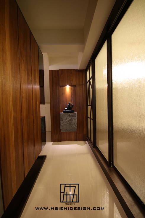玄關廊道:  走廊 & 玄關 by 協億室內設計有限公司
